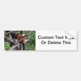Lemur hinchado rojo que cuelga en la visión traser pegatina para auto