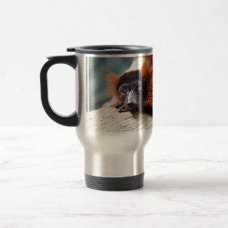 Lemur superado rojo de reclinación taza térmica