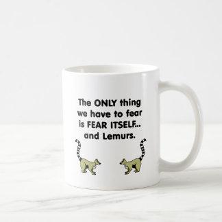 Lemurs del miedo sí mismo taza de café