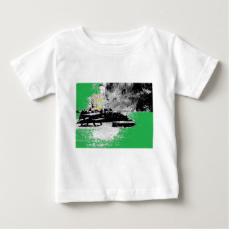 Leña con verde camisetas