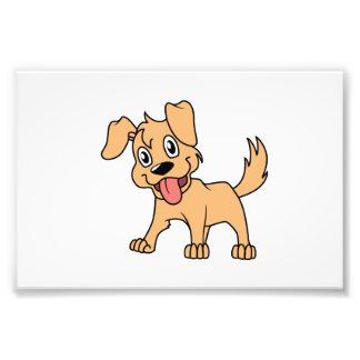 Lengua de perro linda feliz de perrito de Brown Cojinete