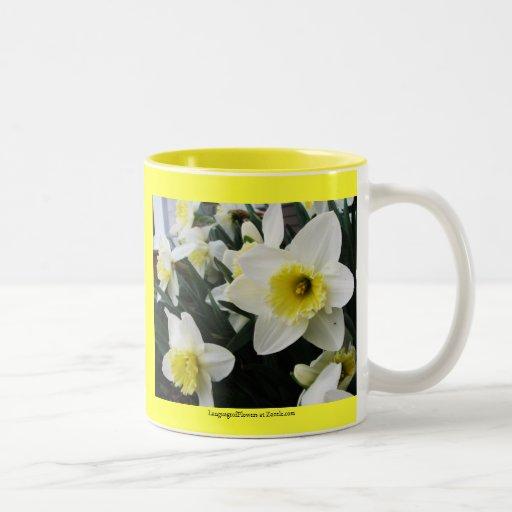 Lengua del Gallantry de los narcisos de las flores Taza De Dos Tonos