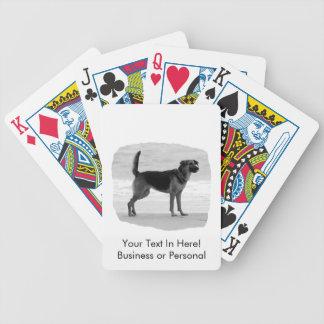 Lengua del soporte de la playa del bw del pastor a baraja de cartas