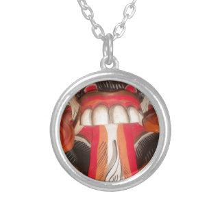 Lengua extraña asustadiza divertida Halloween asiá Collar Personalizado