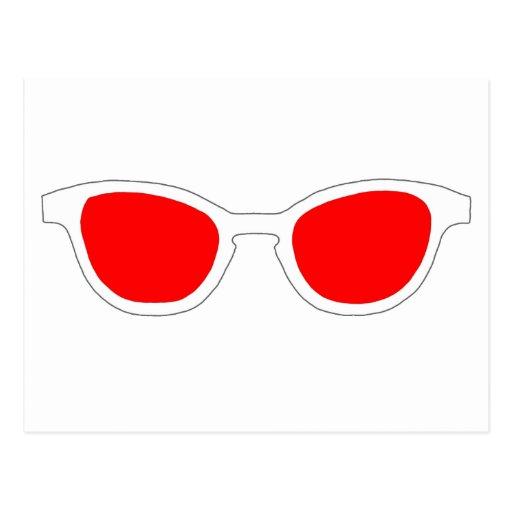 Lente roja del borde blanco de las gafas de sol el postal