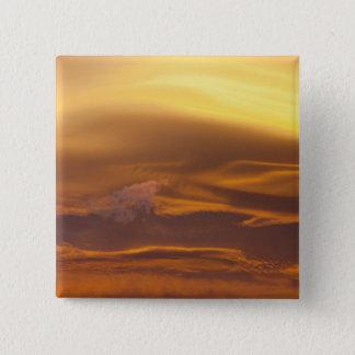 Lenticular cloud at sunset button