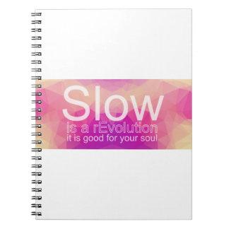 Lento es un cuaderno el | del reEvolution rosado y