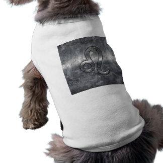 Leo Zodiac Sign in Grunge Distressed Decor T-Shirt