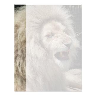 León blanco del gruñido membrete a diseño