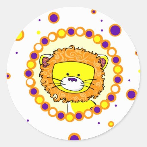 León caprichoso pegatina redonda