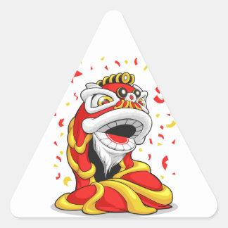 León chino del Año Nuevo Pegatina Triangular