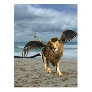 León con alas en la postal de la playa