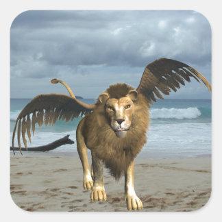 León con alas en los pegatinas de la playa calcomanías cuadradass personalizadas