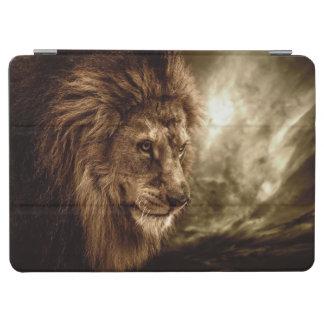 León contra el cielo tempestuoso cover de iPad air
