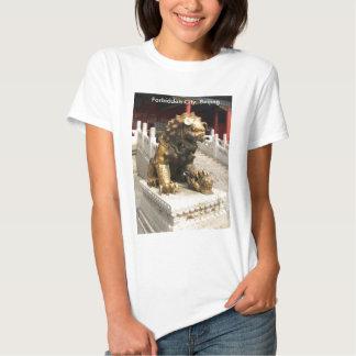 León de bronce de la ciudad Prohibida Camisas