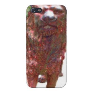 León de bronce - diseño del corazón del león iPhone 5 cárcasa