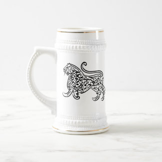 León de la caligrafía (negro) jarra de cerveza