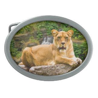 León de montaña en una hebilla del cinturón de la  hebillas de cinturon ovales