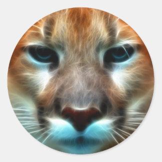 León de montaña pegatina redonda