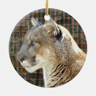 León de montaña/puma adorno navideño redondo de cerámica