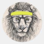 león del inconformista (fondo ligero) pegatinas redondas