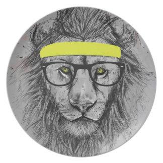 León del inconformista platos