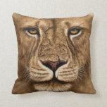 León del mascota de la almohada
