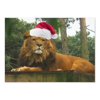"""León del navidad que lleva el gorra de Santa Invitación 5"""" X 7"""""""
