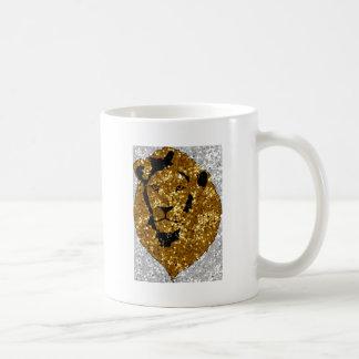 León del oro con plata taza