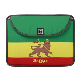 León del reggae de Rasta de la favorable manga 13 Funda Macbook Pro