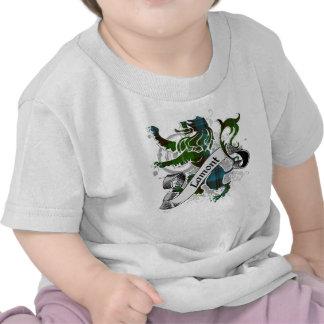 León del tartán de Lamont Camisetas