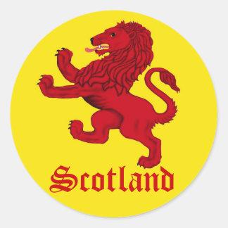 León desenfrenado de Escocia Pegatina Redonda