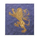 León desenfrenado - oro en azul bloc