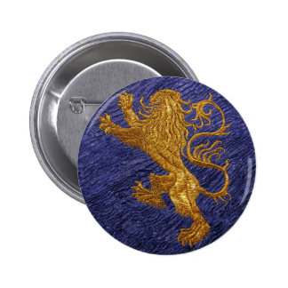 León desenfrenado - oro en azul pin redondo de 2 pulgadas