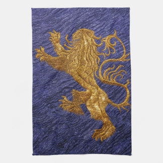 León desenfrenado - oro en azul toalla