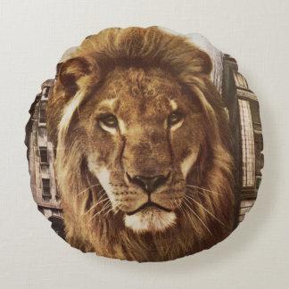 león en ciudad cojín redondo