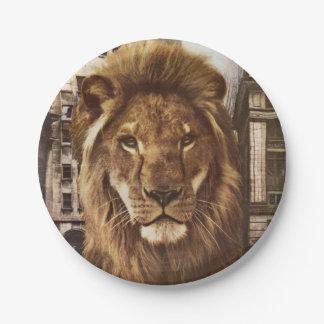 león en ciudad platos de papel