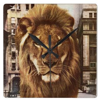 león en ciudad reloj cuadrado