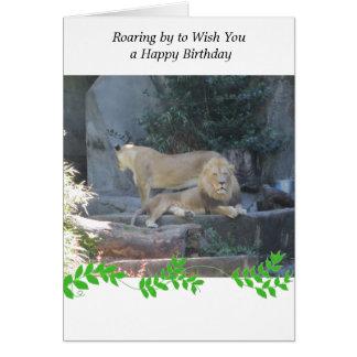 León en el saludo del cumpleaños de la guarida tarjeta de felicitación