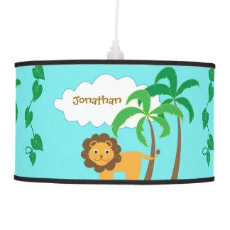 León en selva con las palmeras personalizadas