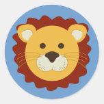 León juguetón etiquetas redondas