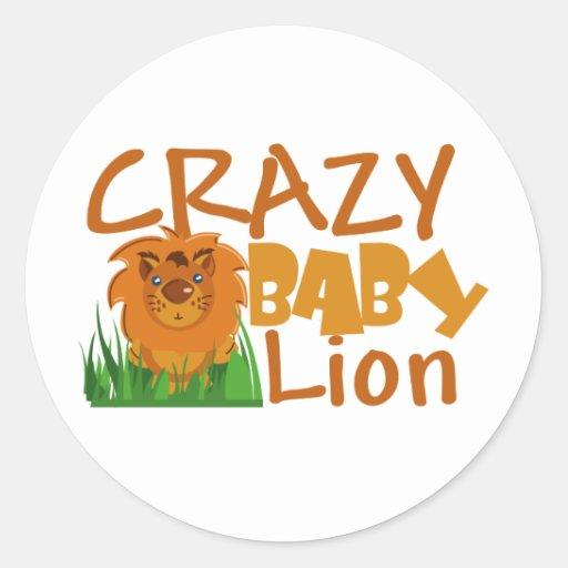 león loco del bebé etiqueta redonda