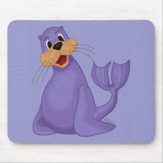 León marino sonriente Mousepad