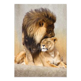 León masculino y femenino en amor invitación personalizada
