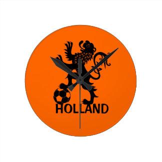 León negro de Holanda - león holandés del fútbol Reloj Redondo Mediano