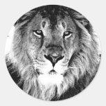 León negro y blanco pegatina redonda