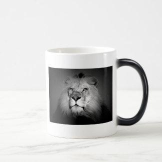 León negro y blanco tazas de café