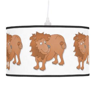 León que juega con su cola lámpara de techo