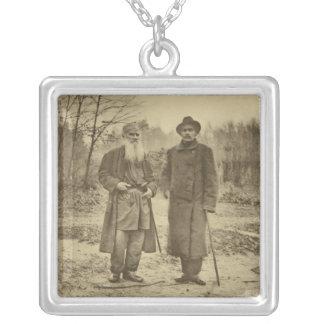 León Tolstói y la máxima Gorki del autor Colgante