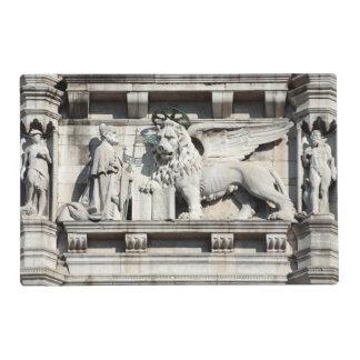 León veneciano salvamanteles